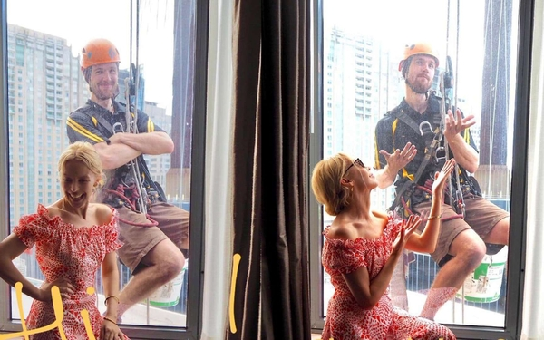 Window cleaner has unexpected encounter with Kylie Minogue