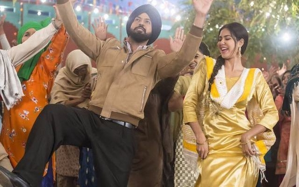 Watch: Dubai Wale Shaikh Song Video From Gippy Grewal's New Punjabi Movie Manje Bistre