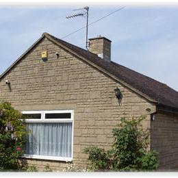 New Barn Lane, 3 bedroom bungalow Cheltenham racecourse