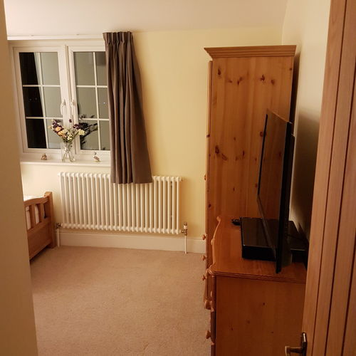 £5000 5 bedrooms Swindon Lane Cheltenham racecourse