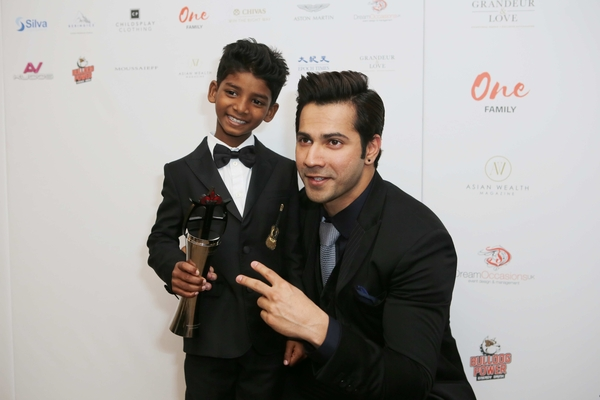 Varun Dhawan, Presents 'Lion' Actor, Sunny Pawar, with Rising Star Of The Year award