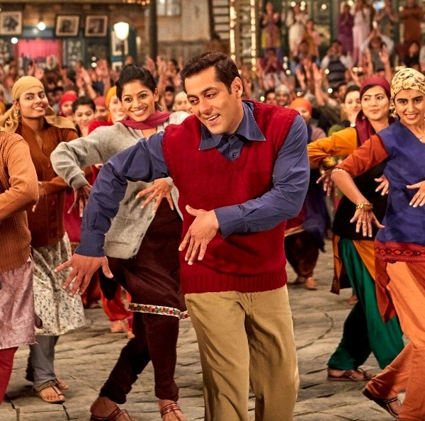 Tubelight: First Bollywood Film To Boast Facebook Cover Video