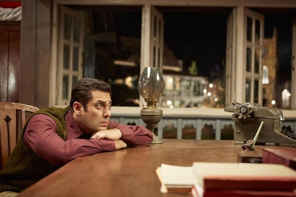 Tubelight: First Bollywood Film With Twitter Emoji