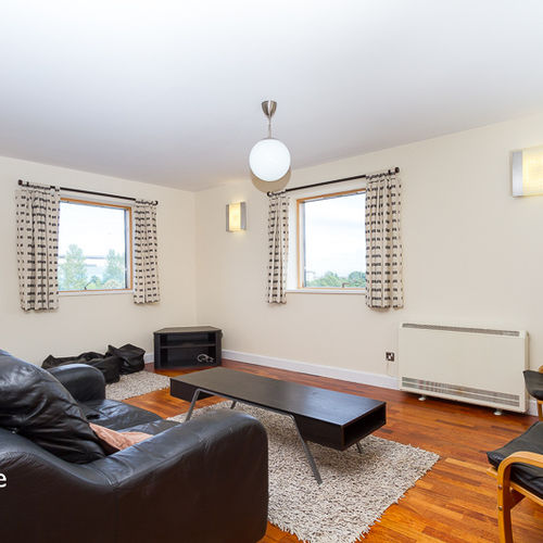 HENKE COURT CARDIFF BAY FULLY FURNISHED TWO BEDROOM APARTMENT WITH WATER VIEWS