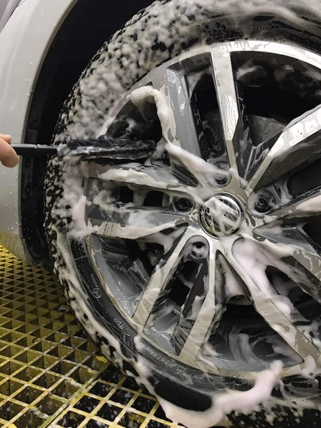 Monza Wheel Woolie Wands