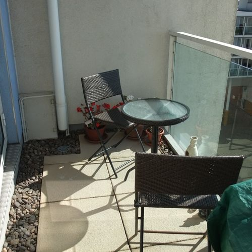 CENTURY WHARF CARDIFF BAY FULLY FURNISHED ONE BEDROOM APARTMENT WITH WATER VIEWS AND BALCONY