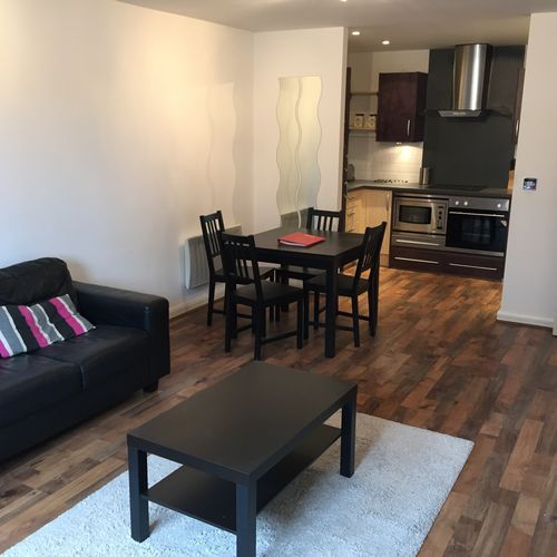 LANDMARK PLACE CARDIFF CITY CENTRE FULLY FURNISHED TWO BEDROOM APARTMENT
