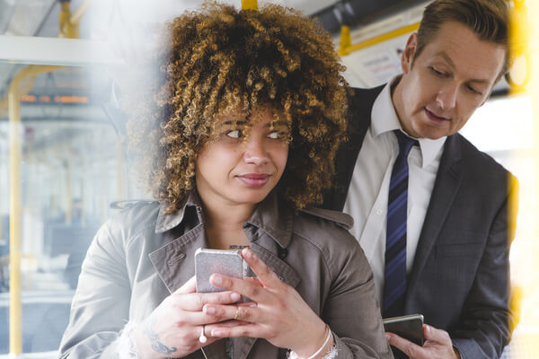 7 Ways For Commuters To Protect Data - Beware Shoulder Surfers!