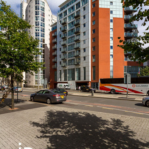 MERIDIAN PLAZA CARDIFF CITY CENTRE ONE BEDROOM FURNISHED APARTMENT WITH BALCONY
