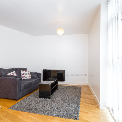 ALTOLUSSO CARDIFF CITY CENTRE FULLY FURNISHED ONE BEDROOM APARTMENT