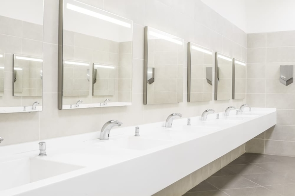 Tips to maintain a clean commerical washroom