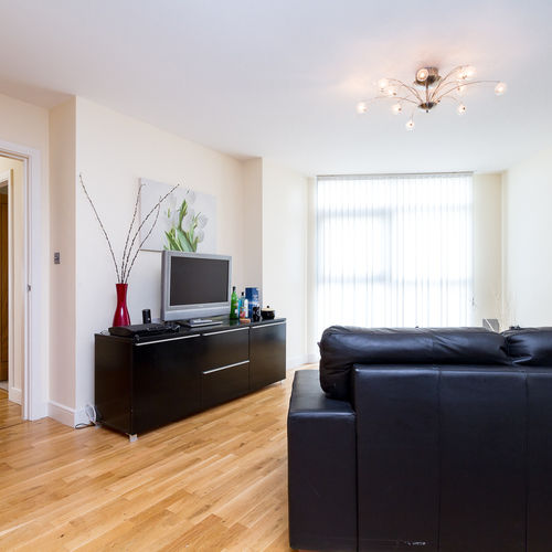 ALTOLUSSO CARDIFF CITY CENTRE FULLY FURNISHED TWO BEDROOM APARTMENT WITH PARKING