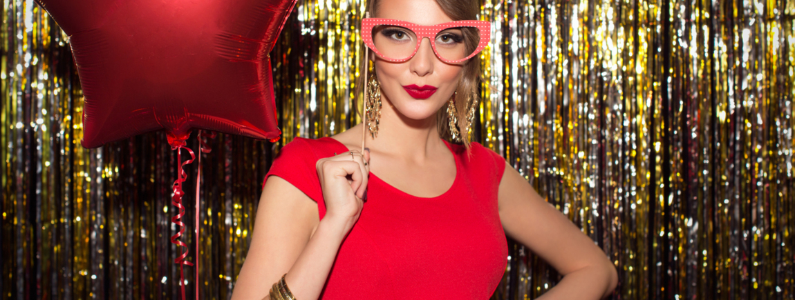 Photobooth Hire London, Magic Mirror Photo Booth, Party Planning