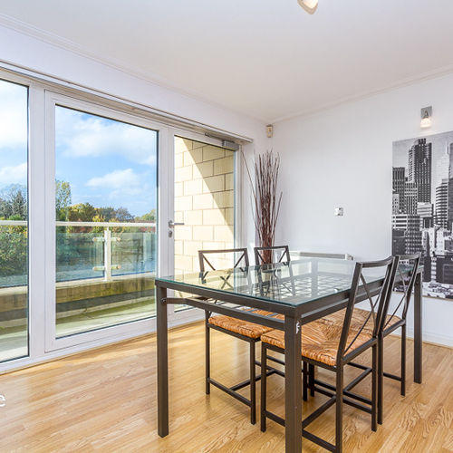 CENTURY WHARF CARDIFF BAY FULLY FURNISHED TWO BEDROM DUPLEX APARTMENT WITH WATER VIEWS