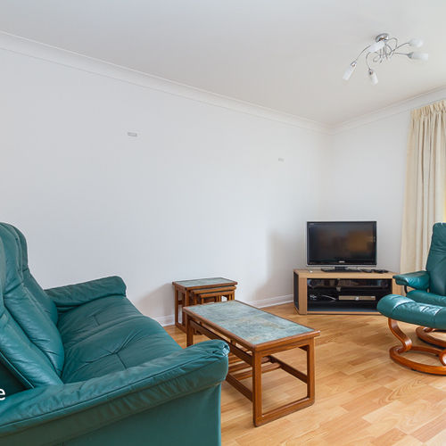 CHANDLERS WAY PENARTH MARINA THREE BEDROOM TOWNHOUSE WITH WATER VIEWS
