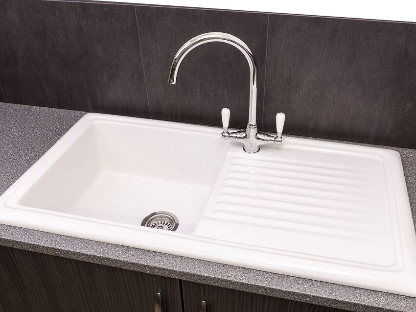 Quartz Kitchen Worktops, Granite Worktops, Kitchen Worktops London, inset sink