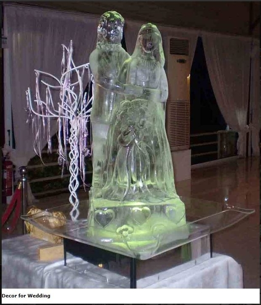 10 Reasons To Have An Ice Sculpture At Your Wedding