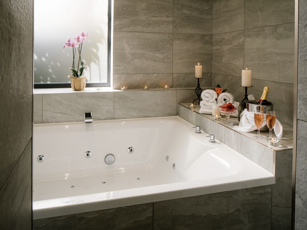 "Deluxe Suite/Apartment - ""Lilac Cottage"""
