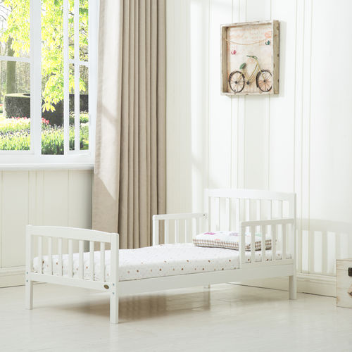 White Wooden Toddler Bed with Mattress (140*70)