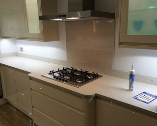 About the joints on Quartz and Granite worktops