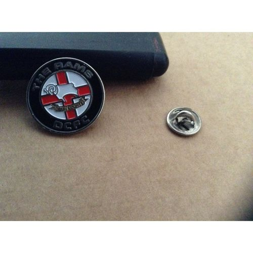 Derby County Round Metal Football Badge - Rams Stud Fixing