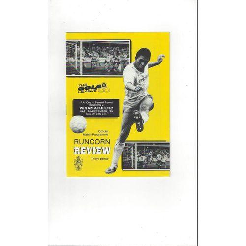 1985/86 Runcorn v Wigan Athletic FA Cup Football Programme