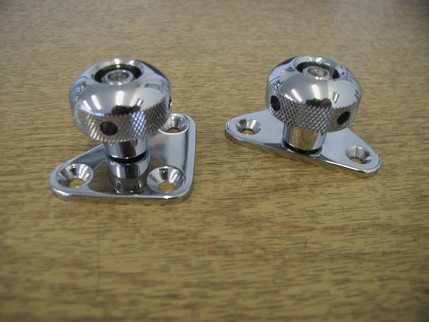 Side Screen Knob, Stainless (each)