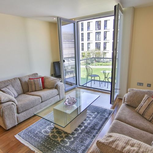 HAYES APARTMENTS CARDIFF CITY CENTRE TWO BEDROOM APARTMENT WITH BALCONY