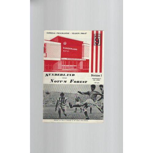 1966/67 Sunderland v Nottingham Forest Football Programme + League Review