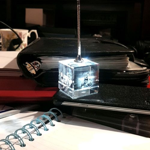Crystal memo holders