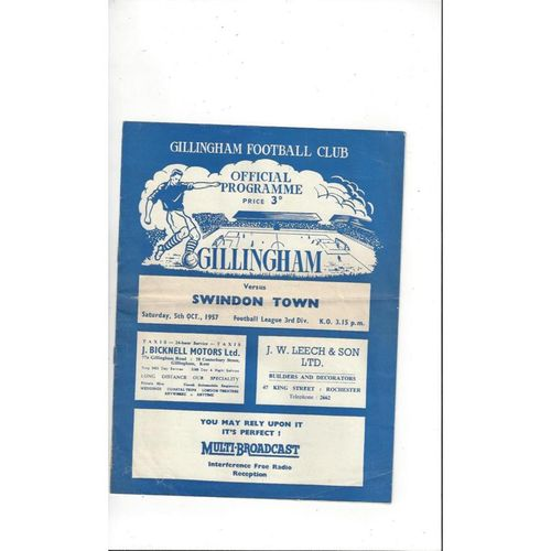 1957/58 Gillingham v Swindon Town Football Programme