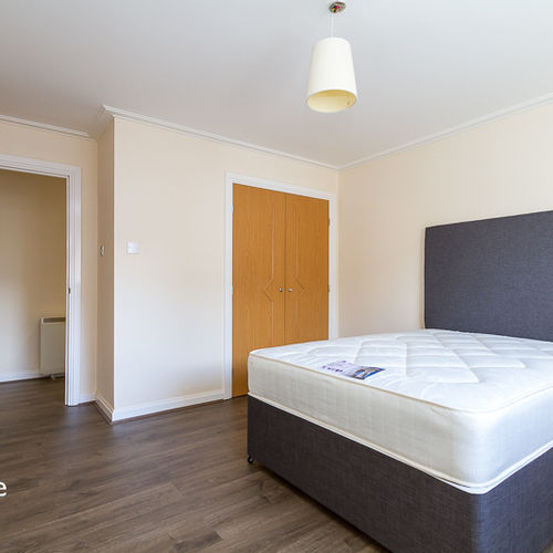 CENTURY WHARF CARDIFF BAY FULLY FURNISHED TWO BEDROOM APARTMENT