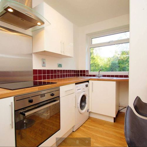 Lansdown Castle Drive 2 bedroom apartment