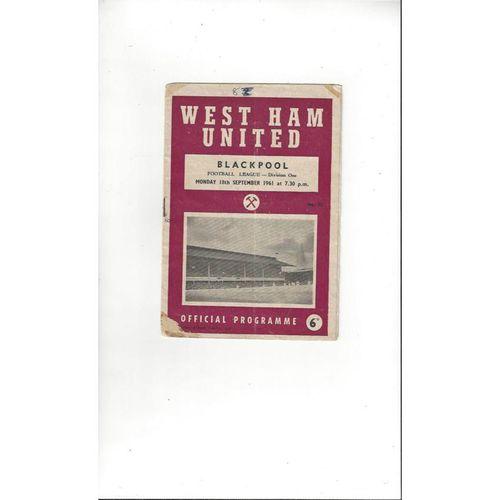 1961/62 West Ham United v Blackpool Football Programme