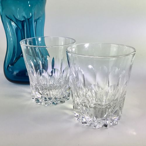 Good looking pair of 20th Century cut glass whiskey tumblers