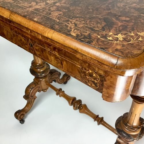 Victorian inlaid walnut Tric-Trac games table