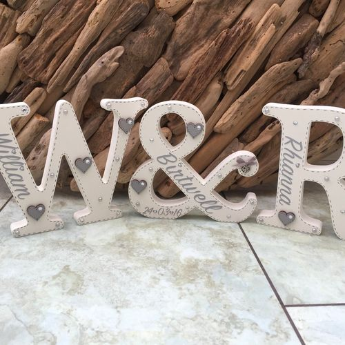 Freestanding set of 3 letters