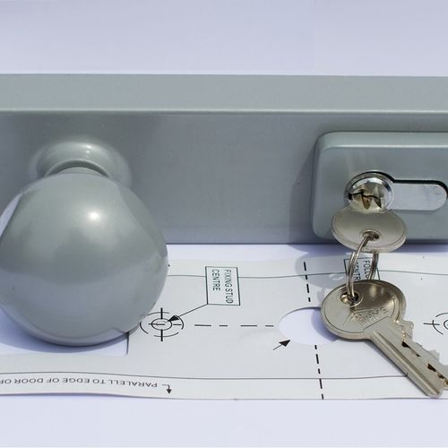 Outside Locking Knob