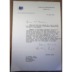 Anthony Henry Fanshawe Royle, Baron Fanshawe of Richmond 1971 Letter with Signature