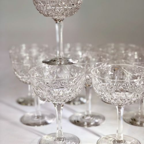 10 finest English crystal champagne coupes 1920s