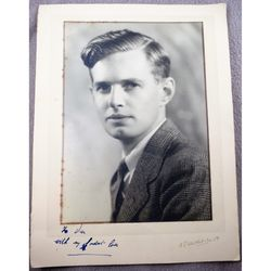Unidentified Raymond Jones OBE Photo with handwritten note