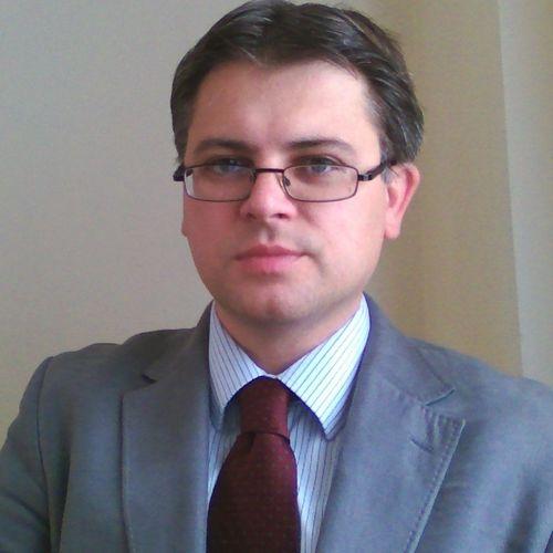 Dr Andrei Horvat