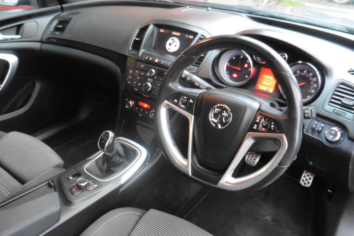 Vauxhall Insignia 2.0 CDTI 16v SRI VX-Line Nav 5dr - Full Service History
