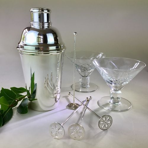 Quality French silver plated cocktail shaker 1930s