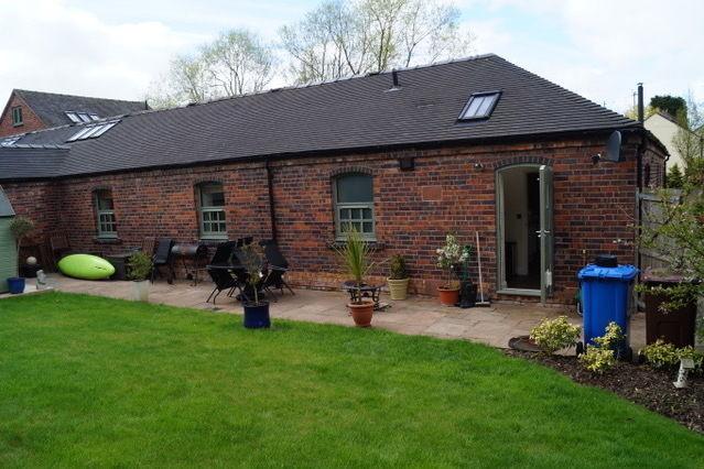 Mill Farm Barns, Stone