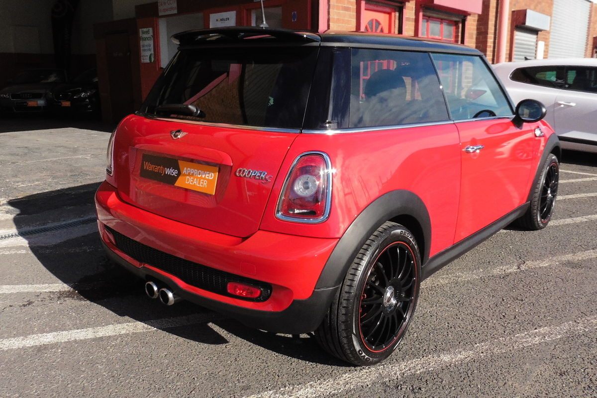Mini Cooper S 1.6 Turbo 3dr - Full Service History - Part Leather Interior