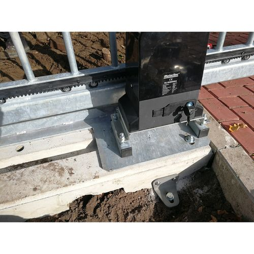 Electric gate counter balance