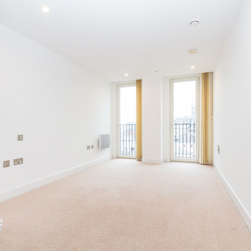 HAYES APARTMENTS CARDIFF CITY CENTRE TWO BEDROOM APARTMENT