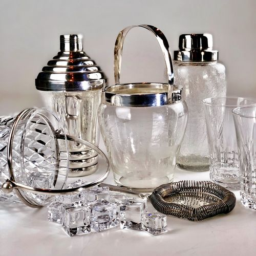 Art Deco stepped cocktail shaker