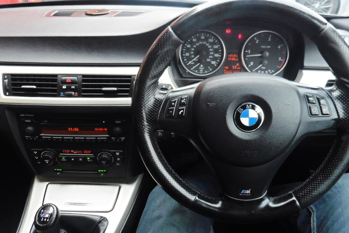 BMW 330d M Sport 4dr - Full Leather Interior - Heated Seats
